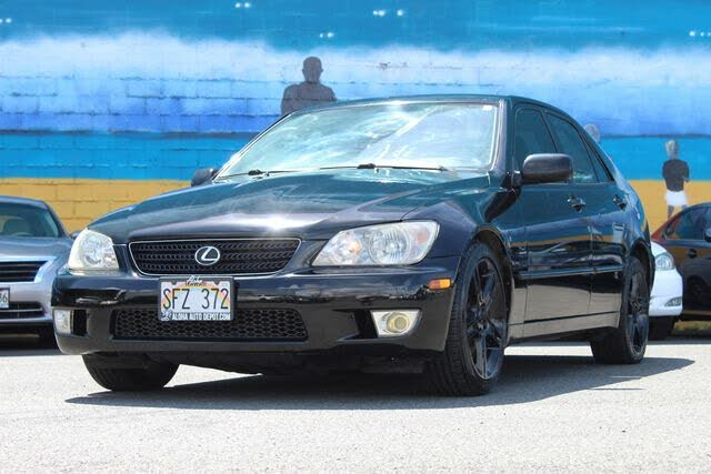 2002 Lexus IS 300 Sedan RWD