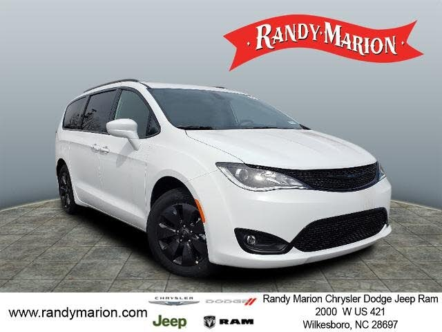 2020 Chrysler Pacifica Hybrid Touring L FWD