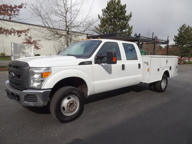 2012 Ford F-350 Super Duty Chassis XL Crew Cab DRW 4WD