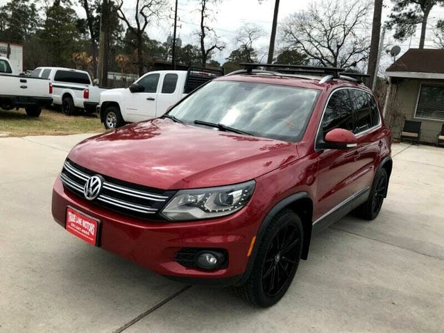 2013 Volkswagen Tiguan S with Sunroof