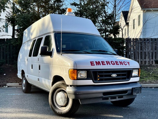 2004 Ford E-Series E-350 Super Duty Extended Cargo Van