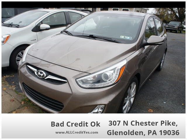 2014 Hyundai Accent SE 4-Door Hatchback FWD