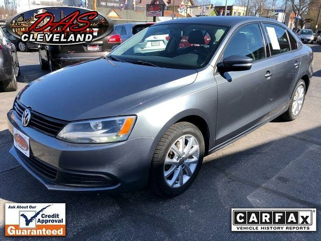 2011 Volkswagen Jetta SE with Conv and Sunroof