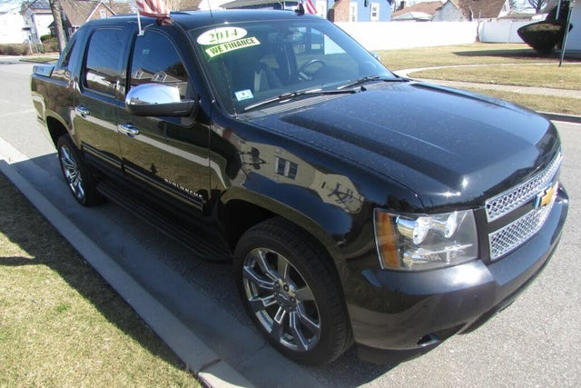 2013 Chevrolet Avalanche LS Black Diamond Edition 4WD