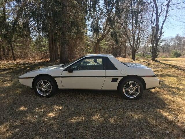 1984 Pontiac Fiero Base