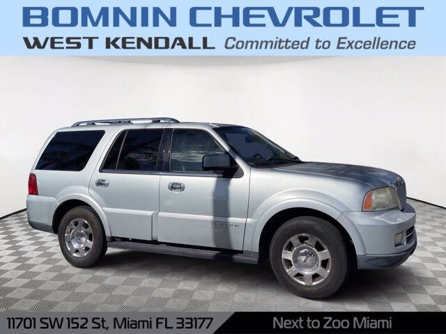 2005 Lincoln Navigator Luxury RWD