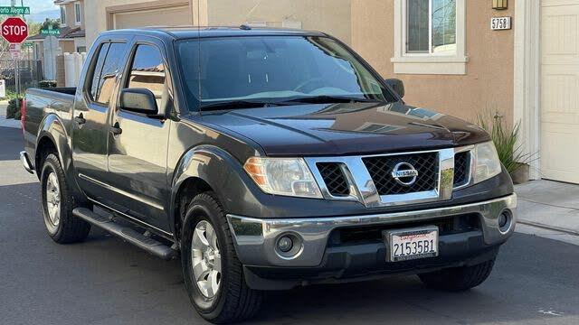 2011 Nissan Frontier SV Crew Cab