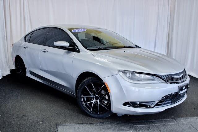 2015 Chrysler 200 S Sedan FWD
