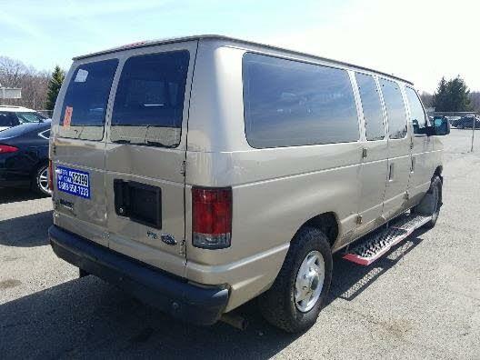2010 Ford E-Series E-150 XL Passenger Van