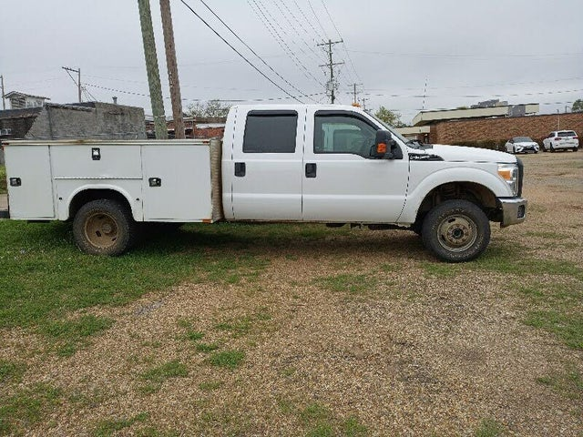 2016 Ford F-350 Super Duty Chassis XLT Crew Cab DRW 4WD