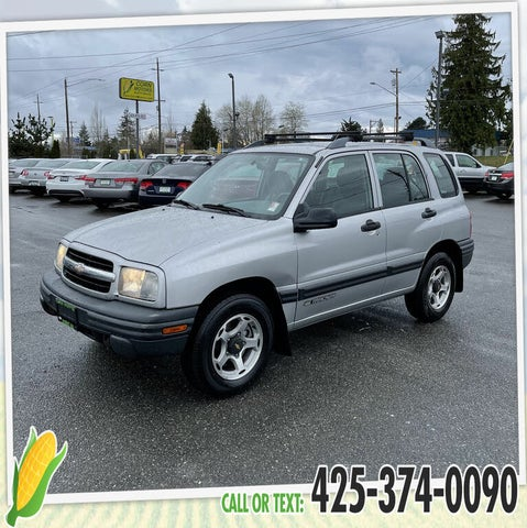 2001 Chevrolet Tracker 4-Door 4WD