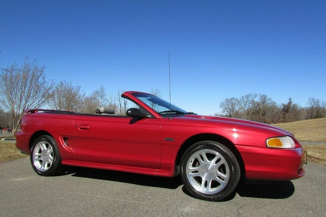 1998 Ford Mustang GT Convertible RWD