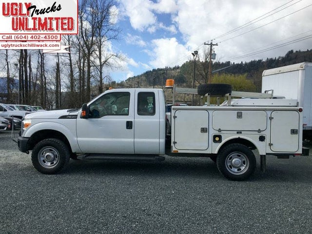 2011 Ford F-350 Super Duty Chassis XL Super Cab 4WD