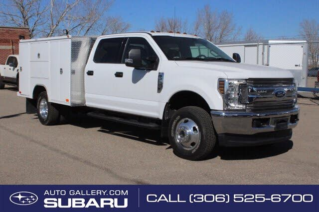 2018 Ford F-350 Super Duty Chassis XLT Crew Cab DRW 4WD