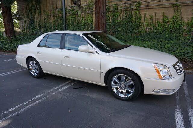 2010 Cadillac DTS Platinum FWD