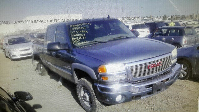 2007 GMC Sierra 2500HD Classic 4 Dr Work Truck Crew Cab Long Bed 4WD