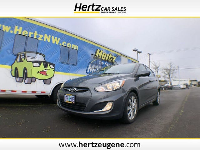 2012 Hyundai Accent SE 4-Door Hatchback FWD