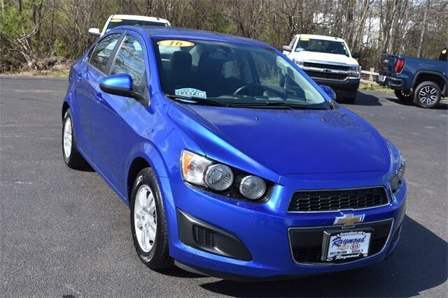 2016 Chevrolet Sonic LT Sedan FWD