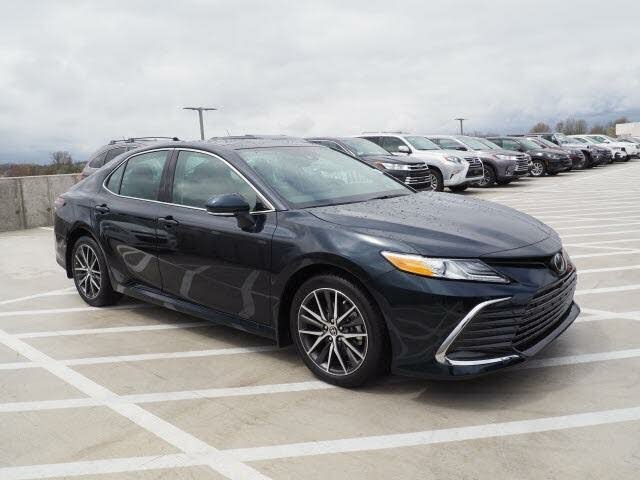 2021 Toyota Camry XLE V6 FWD
