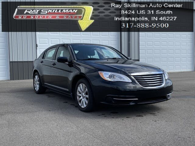 2011 Chrysler 200 Touring Sedan FWD