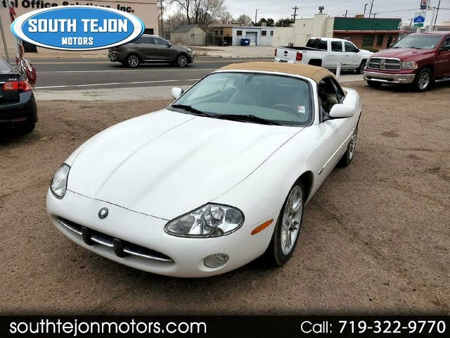 2002 Jaguar XK-Series XK8 Convertible RWD