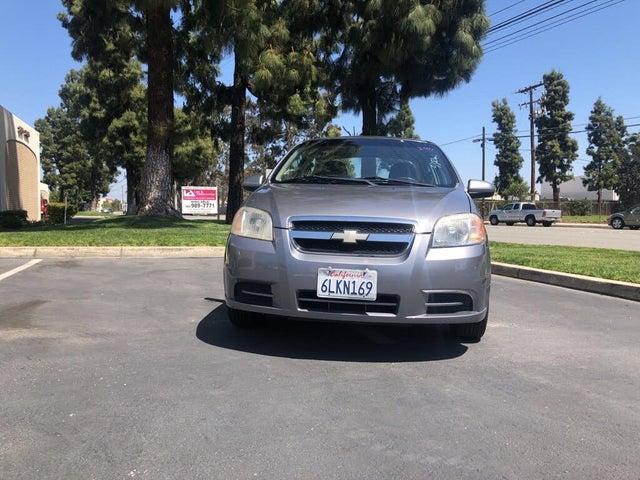 2010 Chevrolet Aveo 1LT Sedan FWD