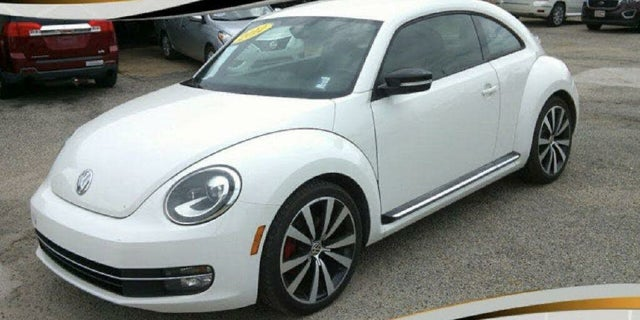 2012 Volkswagen Beetle 2.5L with Sunroof, Sound, and Navigation