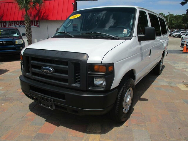 2013 Ford E-Series E-350 XL Super Duty Extended Passenger Van