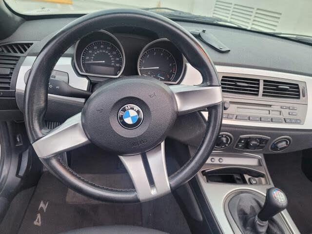 2003 BMW Z4 2.5i Roadster RWD