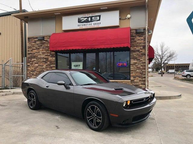 2015 Dodge Challenger SXT RWD