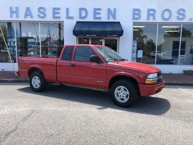 2000 Chevrolet S-10 LS Extended Cab 4WD