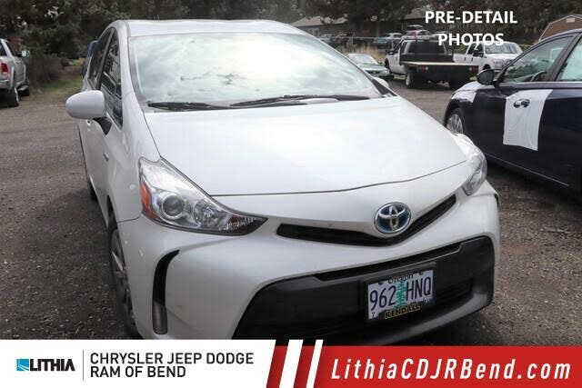 2015 Toyota Prius v Three FWD