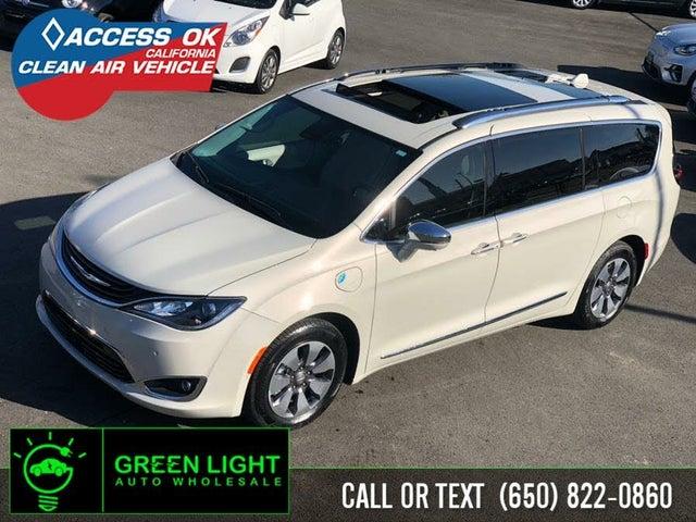 2017 Chrysler Pacifica Hybrid Platinum FWD