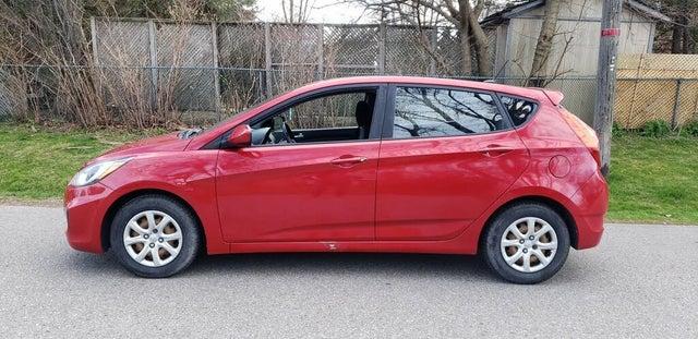2012 Hyundai Accent GL 4-Door Hatchback FWD
