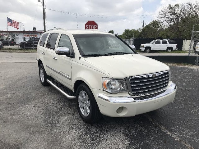 2008 Chrysler Aspen Limited RWD