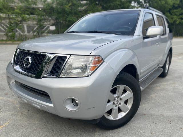 2010 Nissan Pathfinder LE V6