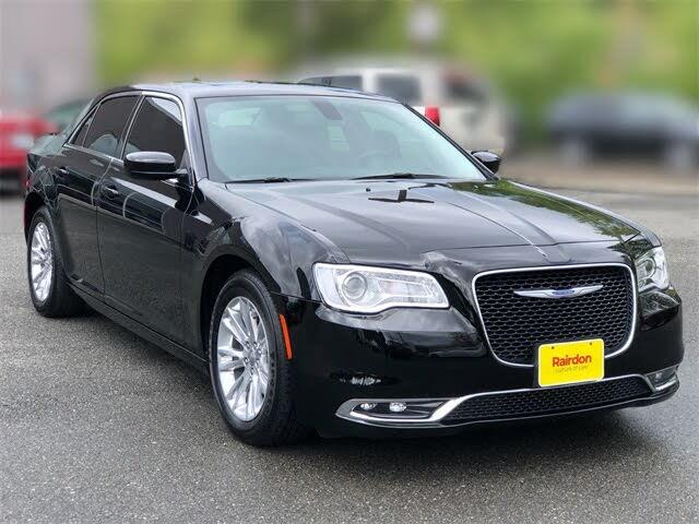 2018 Chrysler 300 Touring L RWD