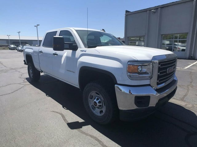 2018 GMC Sierra 2500HD Base Crew Cab SB 4WD