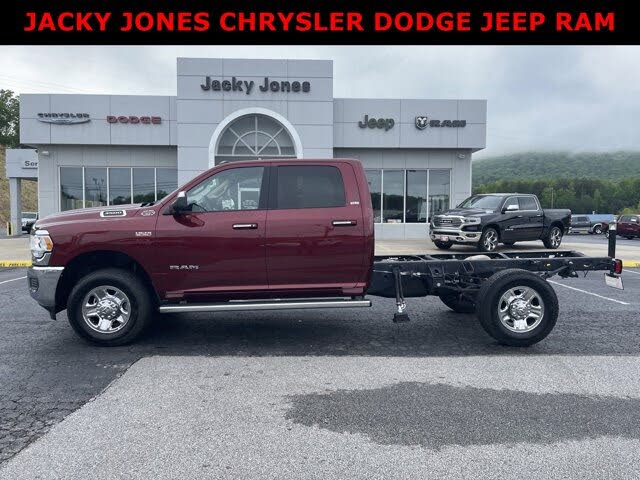 2019 RAM 3500 Chassis SLT Crew Cab 10000 GVWR 4WD