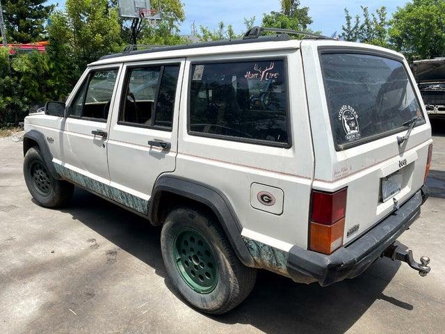 1996 Jeep Cherokee Sport 4-Door RWD