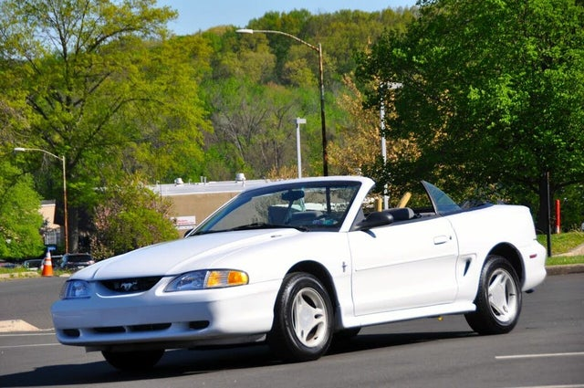 1997 Ford Mustang Convertible RWD