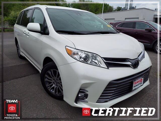 2019 Toyota Sienna XLE Premium 8-Passenger FWD
