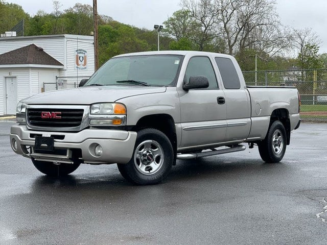 2004 GMC Sierra 1500 4 Dr SLE 4WD Extended Cab LB