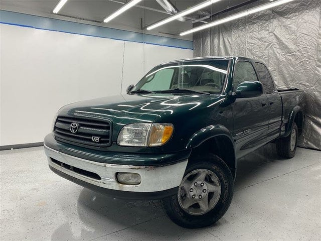2002 Toyota Tundra V8 Limited 4 Door Access Cab 4WD