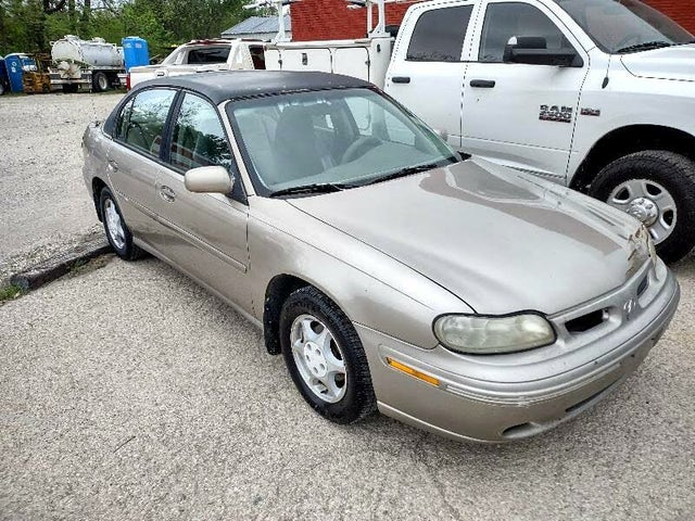 1999 Oldsmobile Cutlass 4 Dr GLS Sedan