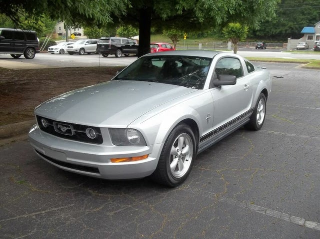 2007 Ford Mustang V6 Deluxe Coupe RWD