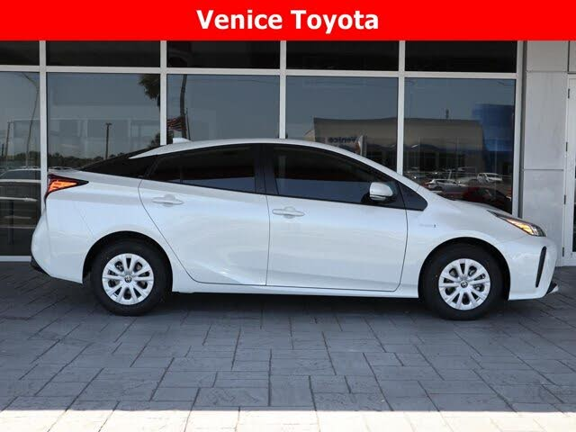 2021 Toyota Prius L Eco FWD