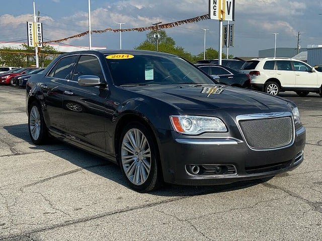 2014 Chrysler 300 C John Varvatos Luxury Edition RWD