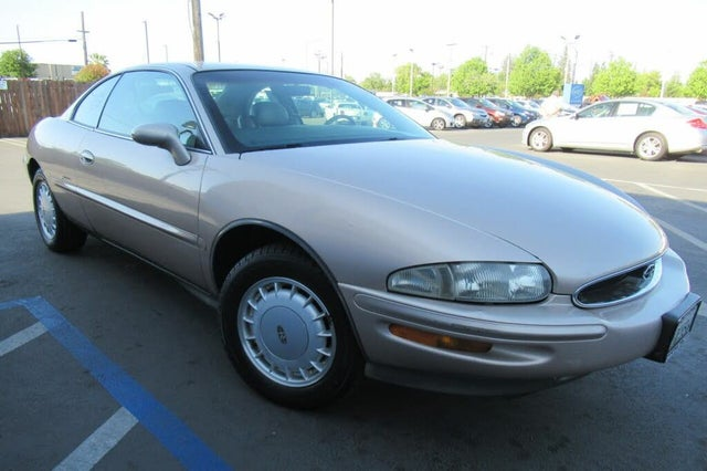 1995 Buick Riviera Coupe FWD