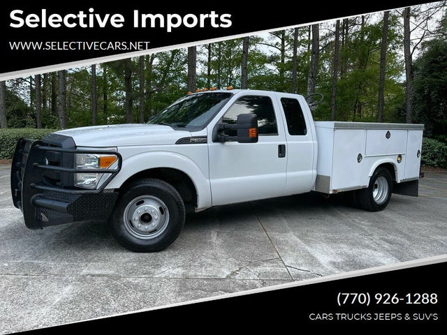 2013 Ford F-350 Super Duty Chassis XL SuperCab DRW RWD